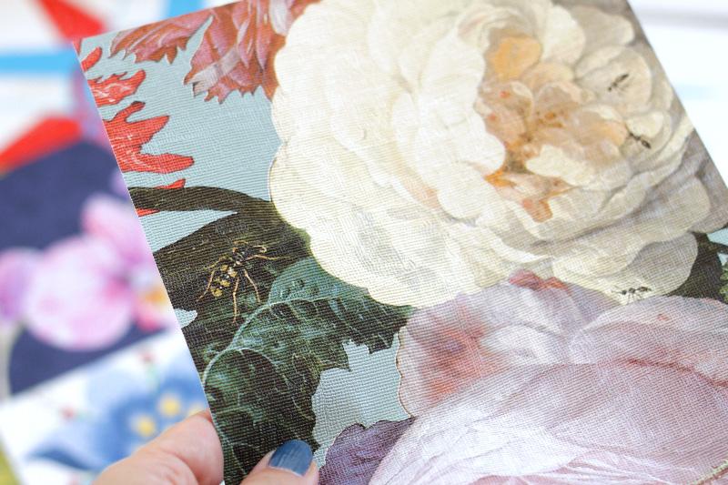 Tendenze arredo: la carta da parati a motivi floreali