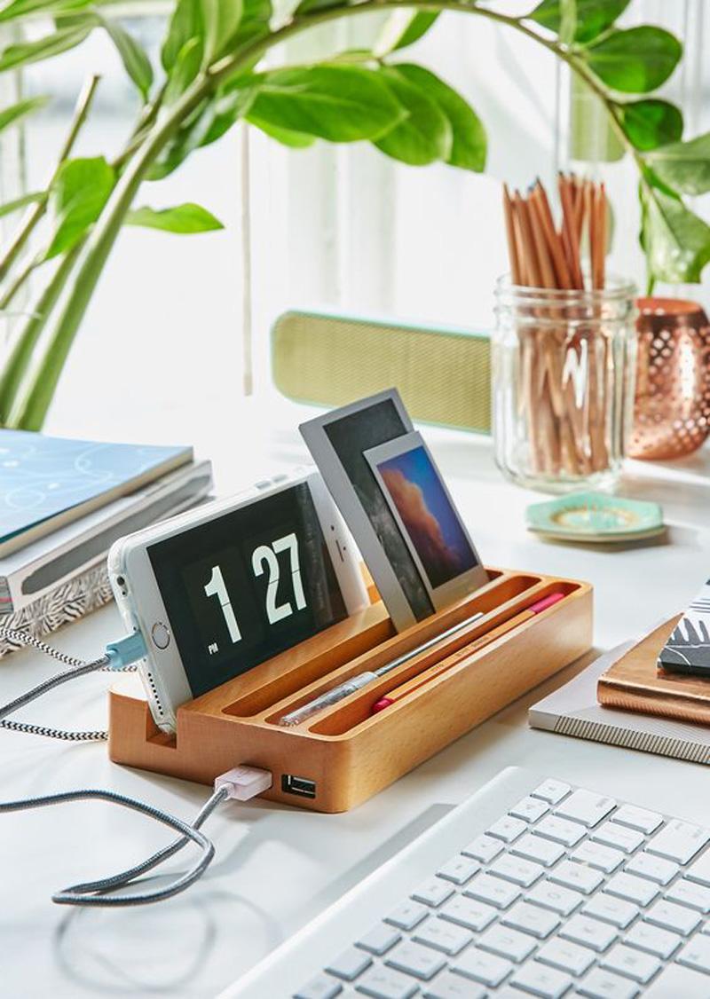 Ansia da rientro: riorganizziamo la scrivania charging box