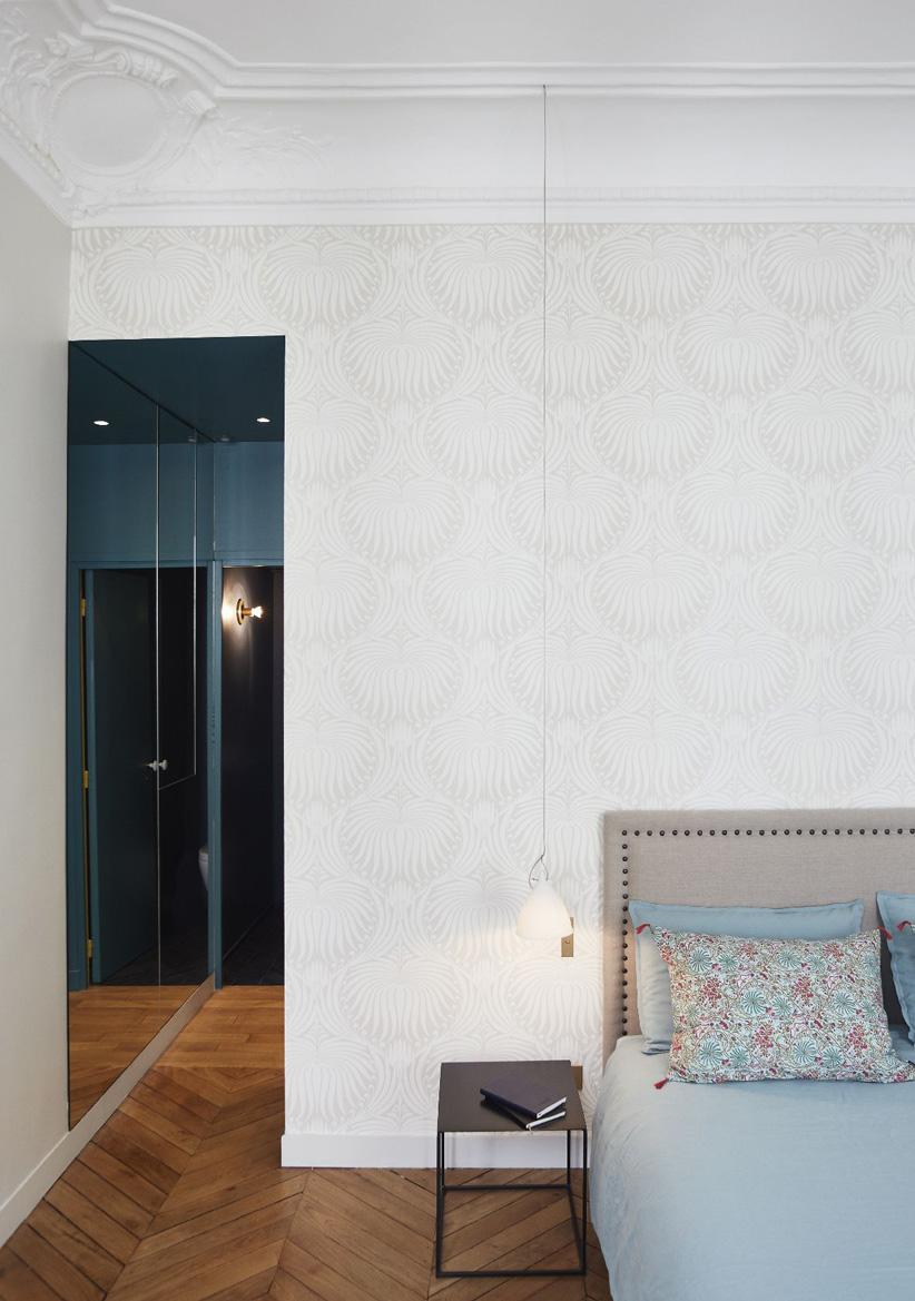 Un appartamento haussmaniano rinnovato con stile camera da letto