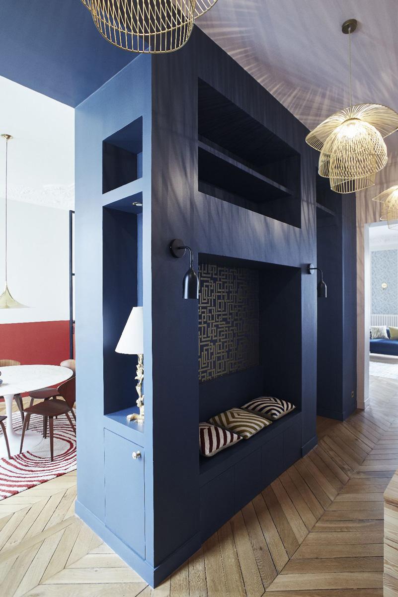 Un appartamento haussmaniano rinnovato con stile soluzione ingresso