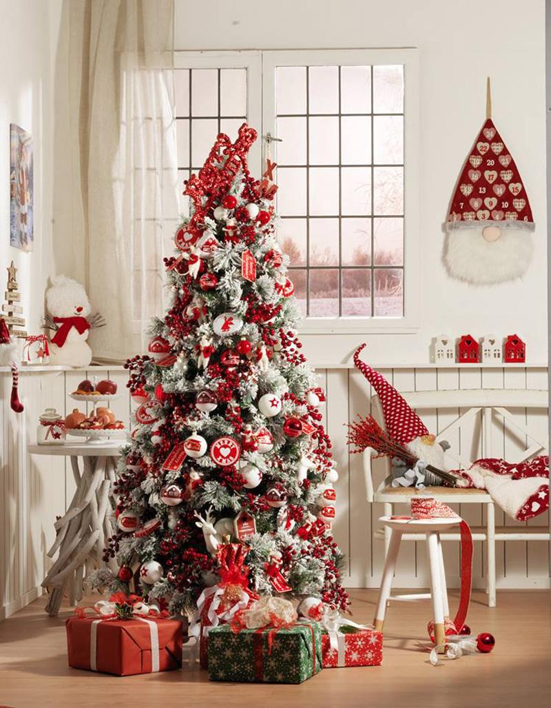 Natale 2017 lo stile tradizionale sempre al top albero rosso bianco