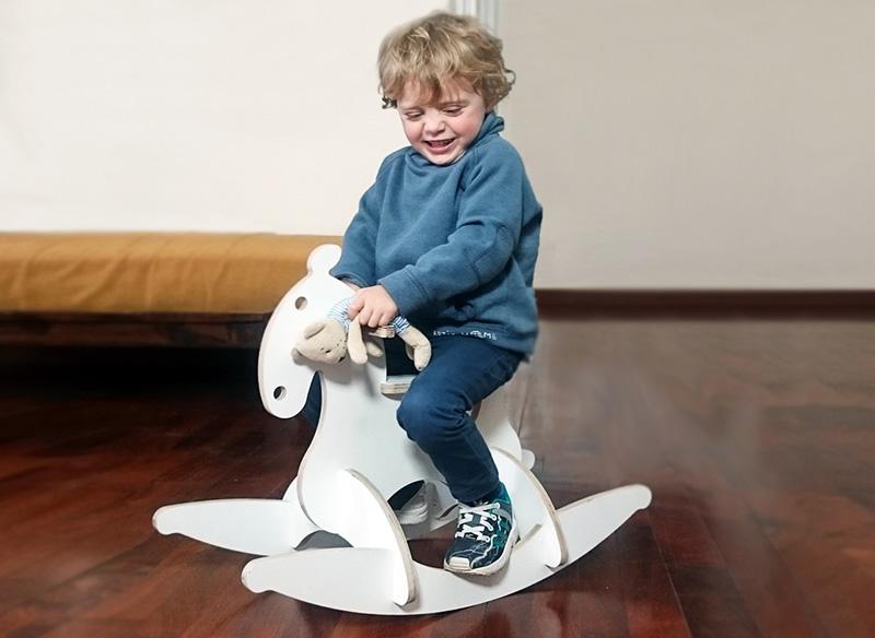 Dondo Horse, il cavallo a dondolo creativo