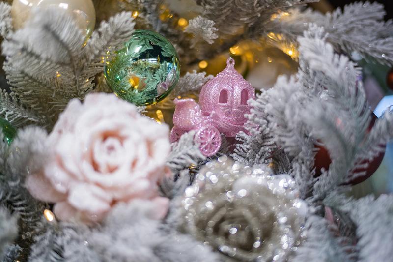 Natale 2017 il magico mondo dell'infanzia addobbi rosa principessa