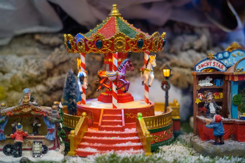 Natale 2017 il magico mondo dell'infanzia Giostra Lemax