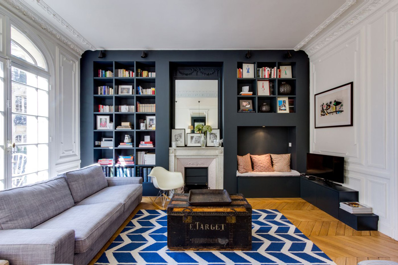 Un appartamento parigino ritrova la luce soggiorno