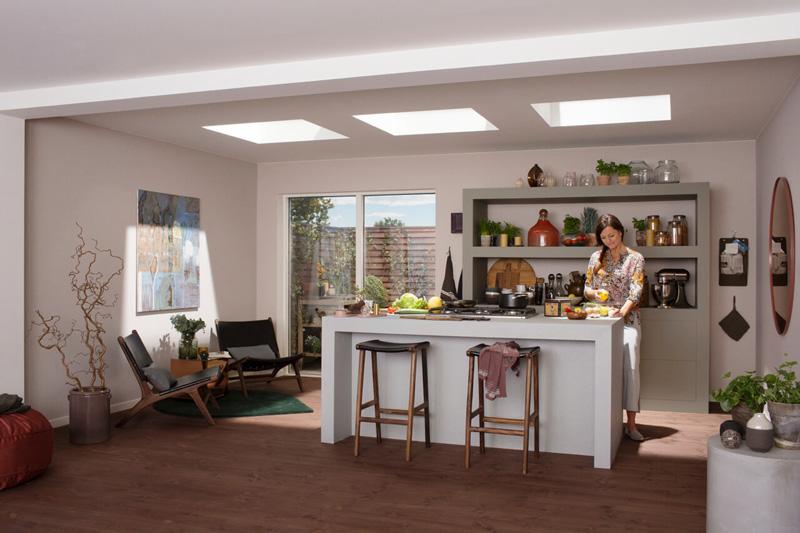 Come portare la luce naturale nelle zone più buie della casa finestre da tetto piano