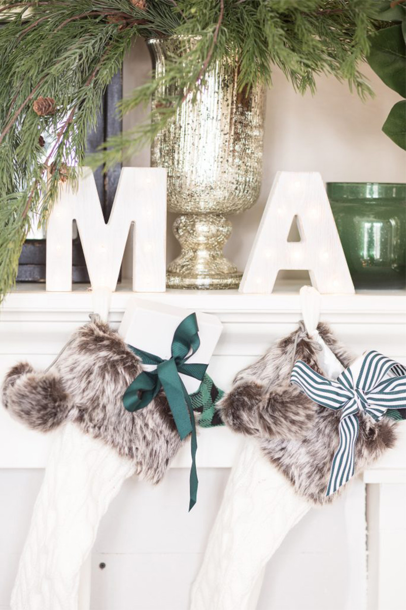 Christmas home tour decorazioni classiche in verde bianco e nero