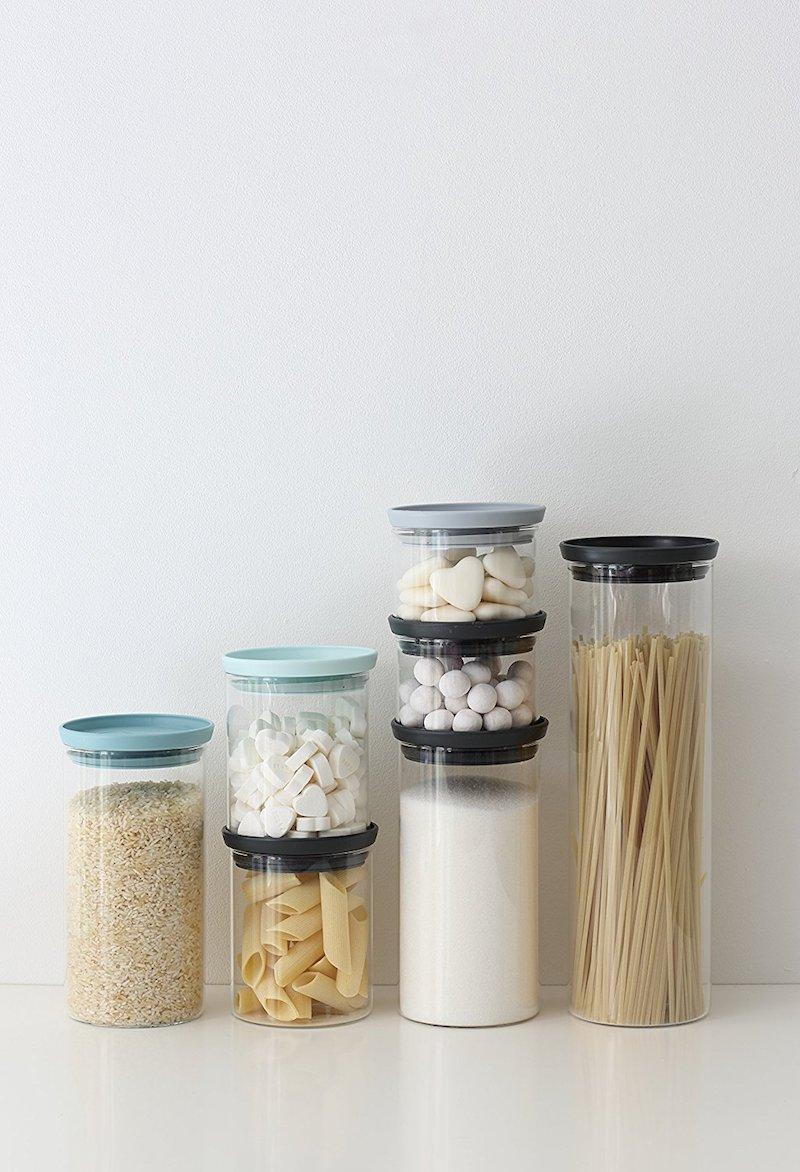 Come disporre gli accessori a vista in cucina con stile contenitori cibo brabantia