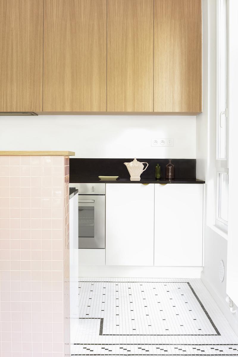Un appartamento in stile eclettico firmato da Heju cucina