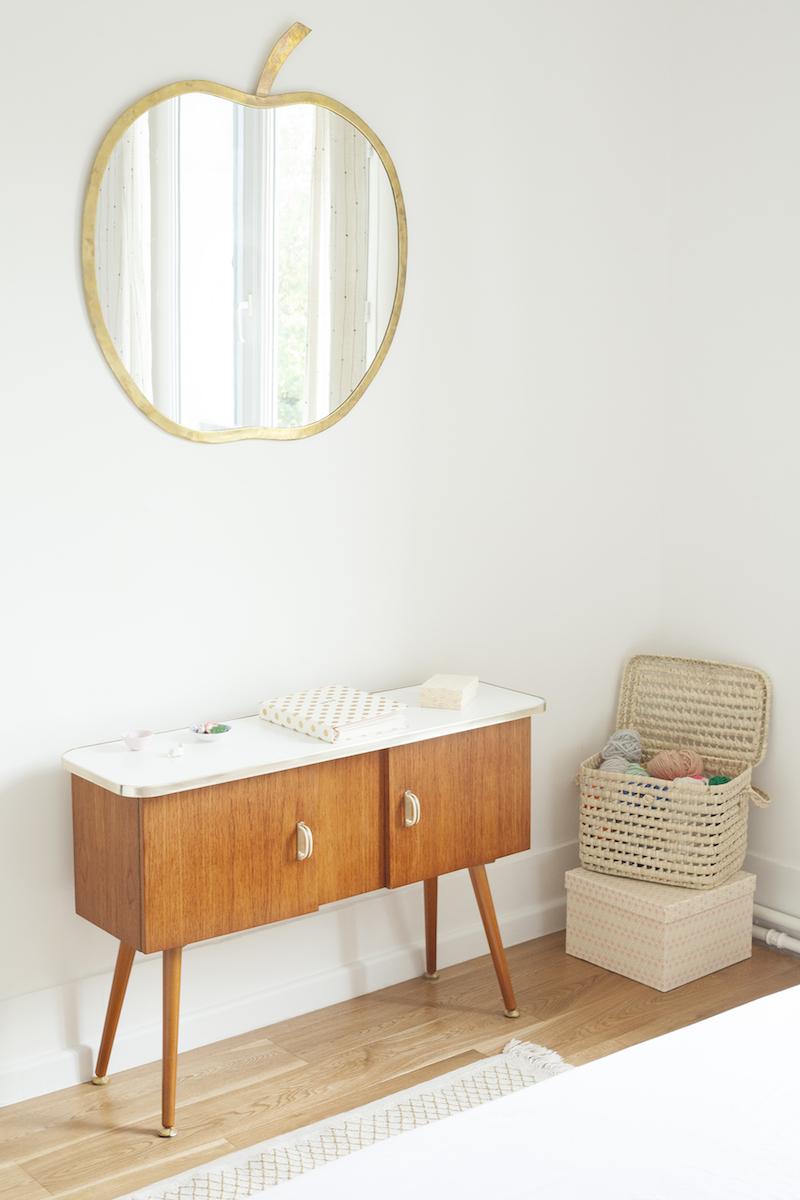 Un appartamento in stile eclettico firmato da Heju mobile vintage