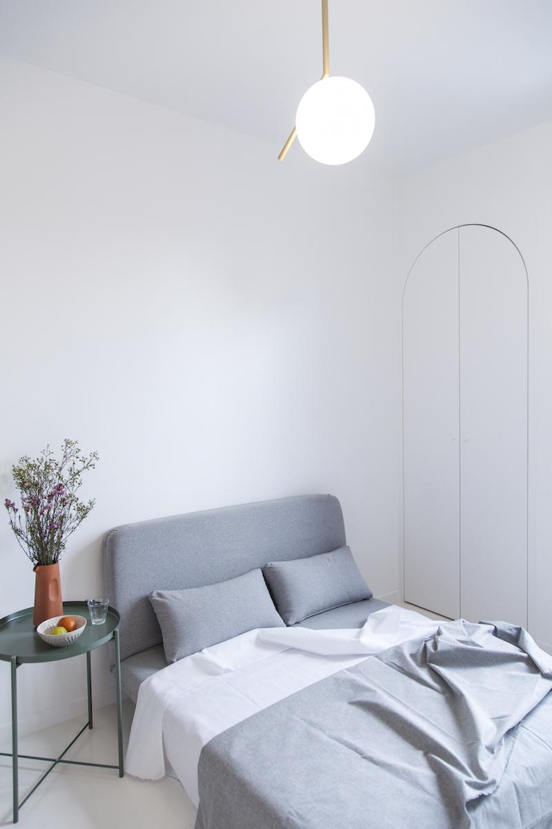 appartamento di 11mq a Parigi divano