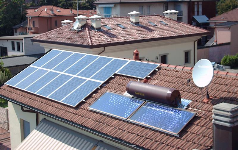 differenza tra Pannelli solari termici e pannelli fotovoltaici