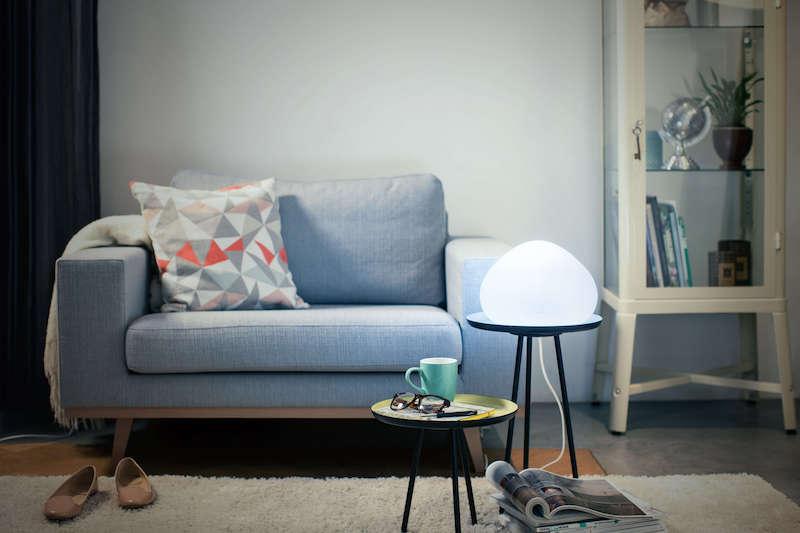 corretta illuminazione per il living lampada appoggio
