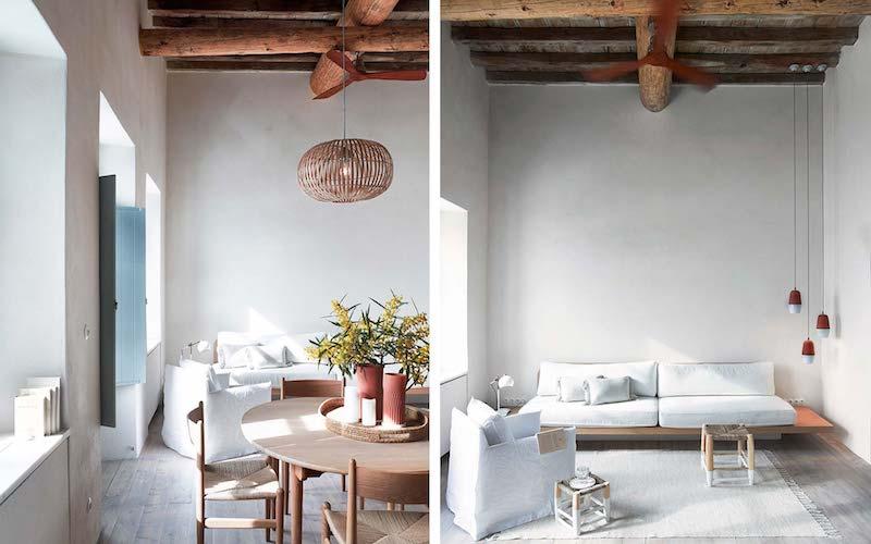 una casa in Grecia bianca e azzurra soggiorno