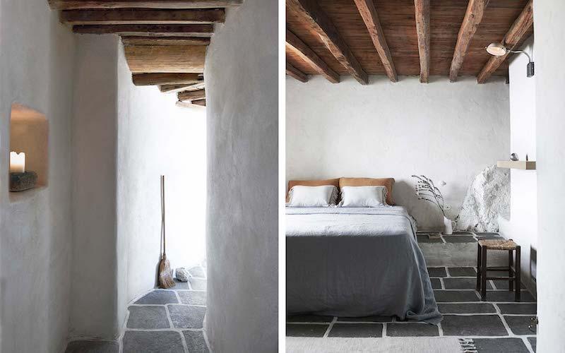 una casa in Grecia bianca e azzurra camera da letto