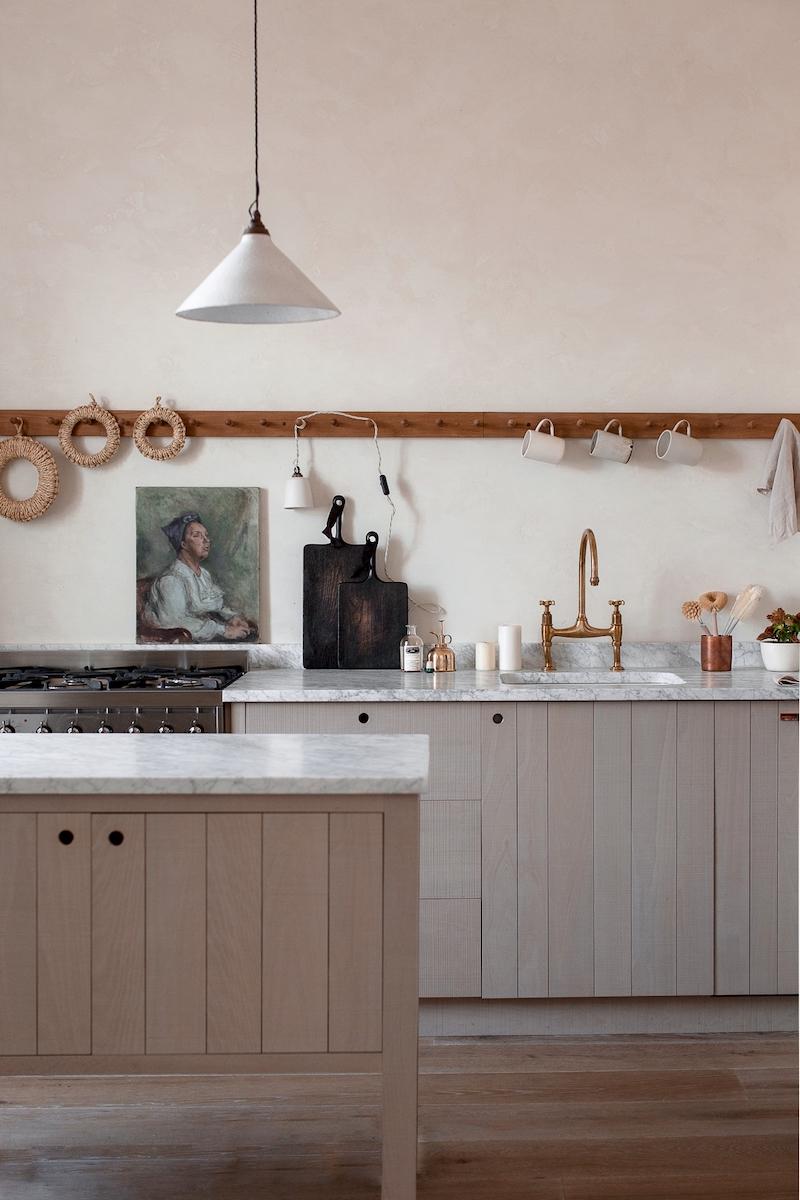 Kinfolk style a casa di Nina Plummer cucina