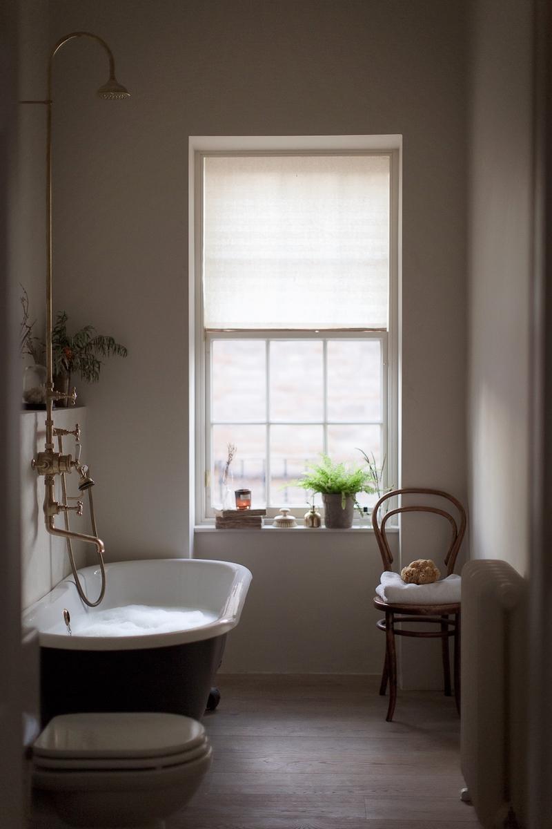 Kinfolk style a casa di Nina Plummer bagno