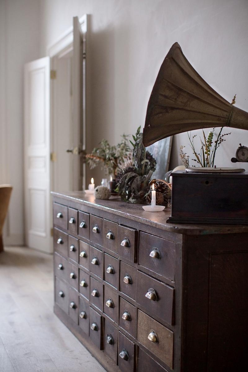 Kinfolk style a casa di Nina Plummer soggiorno