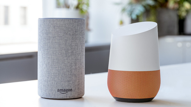 Smart speaker casa connessa google e amazon
