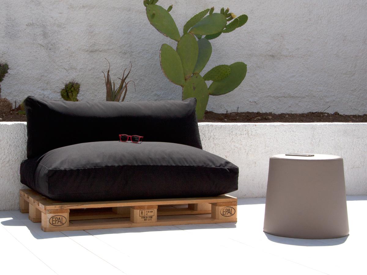 Arredare un piccolo terrazzo: i mobili giusti cuscini per pallet Arketicom