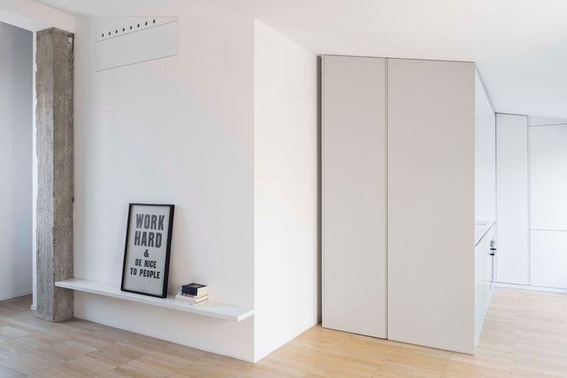 Un piccolo attico con terrazza by  Studio Wok