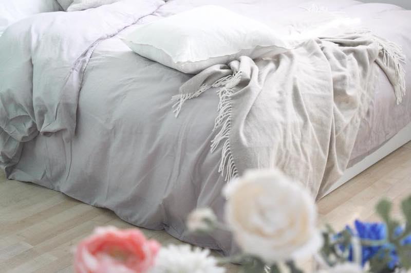 La biancheria da letto giusta per dormire bene in estate